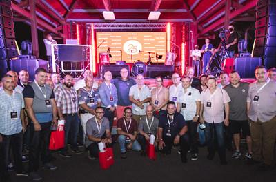 Los empleados de Pep Boys de 25 años fueron reconocidos recientemente por su servicio a la compañía en un evento de Pep Boys Road Trip, una celebración del centenario que reunió a clientes, proveedores y miembros del equipo de Pep Boys.